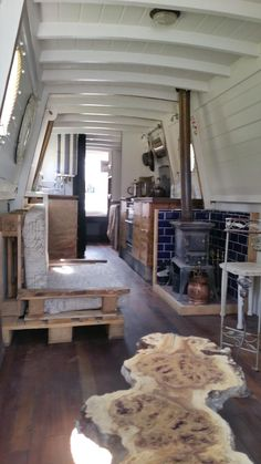 52 ft traditional narrow boat Space saving furniture, futon for guests
