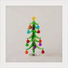 Modern Design: Modern Glass Christmas Tree with Glass Ornaments