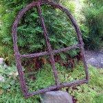 Risuikkuna Willow Weaving, Garden Fencing, Grape Vines, Flower Arrangements, Knots, Frames, Diy, Home Decor, Sculptures