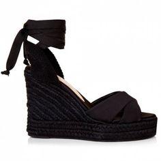 Sante εσπαντρίγιες satin κορδέλα μαύροαπό συνθετικό ύφασμα. Το πέλμα τους είναι πλατφόρμα και έχει ύψος 11 εκ. Διαθέτει εσωτερικό αφρώδη δερμάτινο πατάκι. Black Heels, Espadrilles, Wedges, Satin, Shoes, Fashion, Espadrilles Outfit, Moda, Zapatos
