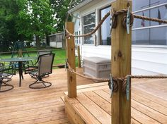 looks like a dock not a deck Rope Fence, Rope Railing, Front Porch Railings, Deck Railings, Railing Ideas, Fence Ideas, Expo Habitat, Courtyards, Wood