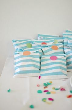 Colorful 1st Birthday Party favors #1stbirtday #birthdaypartyideas  #partyfavors