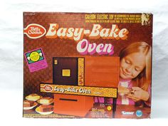 VINTAGE KENNER EASY BAKE OVEN 1977....I thoroughly enjoyed melting my cousin's green plastic army men in this...