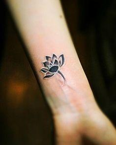 B&W lotus flower