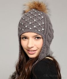 Winter Hats For Women. I love this hat. Winter Hats and Gloves Fancy Hats, Cute Hats, Fur Bobble Hat, Knitted Hats, Crochet Hats, Cold Weather Gloves, Winter Hats For Women, Women Hats, Love Hat