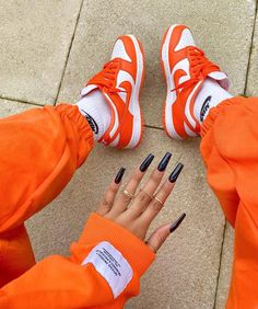 Dr Shoes, Swag Shoes, Nike Air Shoes, Hype Shoes, Crazy Shoes, Me Too Shoes, Jordan Shoes Girls, Girls Shoes, Cute Sneakers