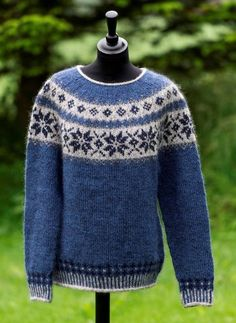 Kids Knitting Patterns, Knitting For Kids, Knitting Designs, Icelandic Sweaters, Sweaters For Women, Boys Sweaters, Fair Isle Pattern, Hand Knitted Sweaters, Fair Isle Knitting