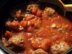 Tupun tupa: Lihapullat tomaattikastikkeessa
