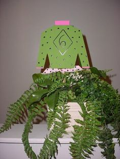 Here is another centerpiece available from especiallyfromkentucky.com. We love the variety!