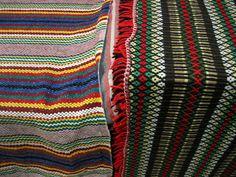 mantas alentejanas Portugal, Monsaraz, Textiles, Arte Popular, Chrochet, Crochet Designs, Portuguese, Handicraft, Countryside