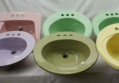Colorful vintage bathroom sinks from King of Thrones - Retro ...