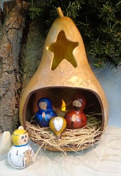 Nativity gourd art sculpted gourd Christmas by WeAreOutofOurGourds, $75.00 #paintedgourdnativity#paintedgourd#nativityscene