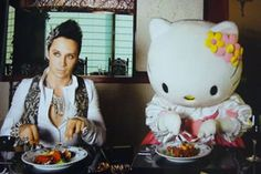 http://www.ontopmag.com/images/ArticleImages/johnny_weir_hello_kitty.jpg