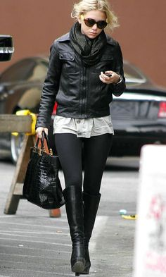 15 ways to wear knee-high boots like Ashley Olsen #style #fashion #olsentwins #fallstyle