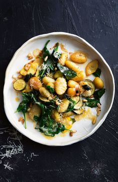 Go meat-free with this flavoursome burnt butter, lemon and basil-infused gnocchi. Go meat-free with this flavoursome burnt butter, lemon and basil-infused gnocchi. Pasta Recipes, Cooking Recipes, Recipes Dinner, Dinner Ideas, Chef Recipes, Clean Eating, Healthy Eating, Breakfast Healthy, Dinner Healthy