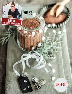 Diese Trinkschokolade ist unglaublich lecker! Und wenn du teilen möchtest, dann eignet sie sich auch wunderbar als Weihnachtsgeschenk.