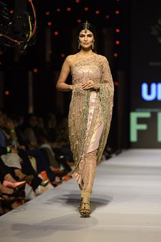 fpw_2015_day_1_shehla_chatoor_540_02
