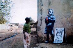 Imagen de http://www.ocio.net/wp-content/uploads/2015/01/Graffitis-de-Bansky-en-Africa.jpg.