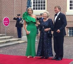 Diner tgv bezoek prins Albert van Monaco. Maxima in Lavin met smaragden parure