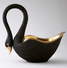 Limoges Porcelain Black Swan - by Cris Figueired♥ Ceramic Pottery, Ceramic Art, Porcelain Black, Black Swan, Black Gold, Mural Art, House And Home Magazine, Clay Art, Decorative Accessories