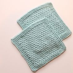 Knit a washcloth or dishcloth for an environmentally friendly pretty alternative to paper towels in the kitchen.