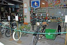 Hace unos años me tropecé con una colección de un centenar largo de #motocicletas de todos los tiempos que no he podido olvidar. Una experiencia que quiero compartir. Encontré la #colección casi por casualidad en L'#Escala, en la #CostaBrava, en #Girona. Y si tienes tiempo para leer hasta el final, te comento todos los detalles en http://www.guias.travel/blog/si-te-ponen-como-una-moto-las-antiguas-vete-al-taller-de-folgado/