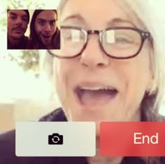 Jared Leto surpreende a mãe com convite para ir ao Oscar