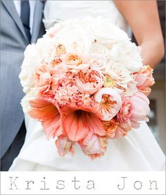 Peach ombré bridal bouquet by Krista Jon; photo by Paula Luna of Luna Photo | junebugweddings.com