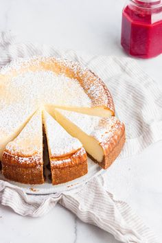 Creamy New York Style Cheesecake with cheesecake baking tips. This will help you… Creamy New York Style Cheesecake with cheesecake baking tips. This will help you prepare your ingredients, mix your cheesecake properly, and bake without any cracks. Newyork Cheesecake, New York Cheesecake Rezept, New York Style Cheesecake, Classic Cheesecake, No Bake Cheesecake, Chocolate Cheesecake, Cheesecake Bites, New York Baked Cheesecake, Cheesecake
