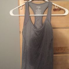 Fitted work out tank top NWOT NEVER WORN Tops Tank Tops