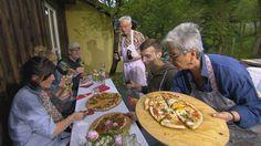 Richtig guter Pizzateig, schmackhafte Pizzaiola und die unterschiedlichsten Beläge: Martina und Moritz zeigen, wie das Pizzabackengut gelingt.