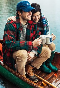 Sarah Vickers adventures in New England living, classic fashion, and travel.Sarah Vickers adventures in New England living, classic fashion, and travel. Sarah Vickers, Lumberjack Style, Haus Am See, Estilo Preppy, Look Man, Mein Style, Classy Girl, Camping Outfits, Mens Fall