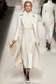 Fendi Fall 2015 Ready-to-Wear Fashion Show Collection