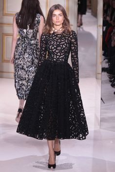 love this lady like Giambattista Valli Couture Spring 2013 dress