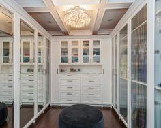 Home Decor Contemporary Closet. クローゼットのインテリアコーディネイト実例