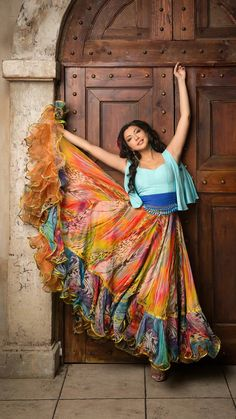 Choose skirt style from casual or party wear dresses. Watch this video on how to style skirt in different w. Dress Indian Style, Indian Fashion Dresses, Indian Designer Outfits, Skirt Fashion, Modest Fashion, Gypsy Women, Long Dress Design, Long Gown Dress, Designer Party Wear Dresses