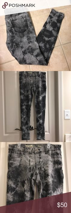 Size 11 Mossimo grey tie dye jeggings Size 11 Mossimo grey tie dye jeggings Mossimo Supply Co Jeans Skinny
