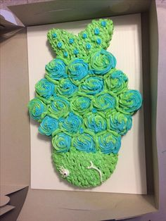 Fish cupcake cake, ends made with small round cut in half