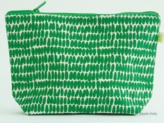 See Design Large Travel Pouch Seeds Kelly