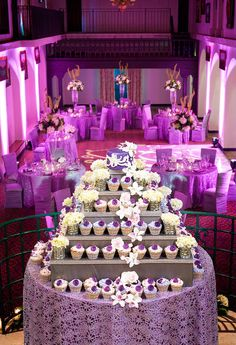 Casey's Cupcakes® - Casey's Cupcakes Wedding Cakes :: Platinum Package Cupcake Wedding Cake