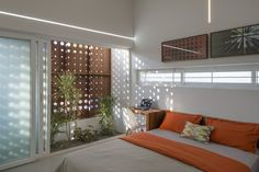LIJO RENY architects: the breathing wall residence in india Bedroom Wall, Bedroom Decor, Interior Decorating, Interior Design, Small Space Gardening, Minimalist Bedroom, Small Spaces, House Plans, House Design