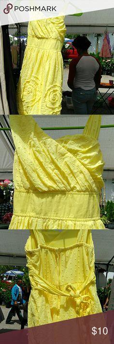 Girls Yellow like new Summer casual dress sz 8 Perfect Summer dress! Dresses Casual