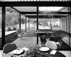 Case Study House #21 / Bailey House / Pierre Koenig / 1958 / Included in 2013 on US's National Register of Historic Places.