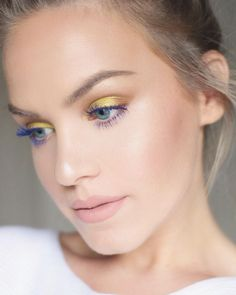 """Todays look! FT. @makeupgeekcosmetics pixie dust, @anastasiabeverlyhills morocco, @benefitcosmetics theyre real beyond blue mascara, @ofracosmetics são…"""