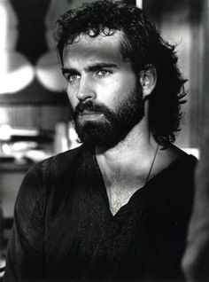 Still haven't seen anyone look as good in a beard as Jason Patric, in one of my favorite movies -Rush Jason Patric, Gorgeous Men, Beautiful People, Ideal Man, My Hairstyle, Famous Men, Movies Showing, Cute Guys, Movie Stars