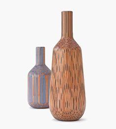 I vasi di Studio Markunpoika - realizzati incollando pastelli colorati e poi modellandoli col tornio