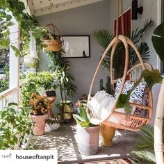 "Beaut Blog | Interior Magazine on Instagram: ""This looks like the cosiest hanging seat there is! In love with all of the plants. This is a perfect solution if you don't have a your own…"" Boho Living Room, Interior Design Living Room, Living Room Decor, Living Spaces, Living Rooms, Interior Rugs, Kallax Hacks, Diy Bett, Sunroom Decorating"