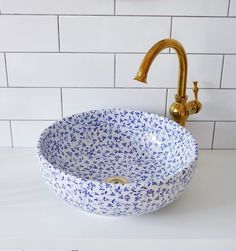"London Basin Company on Instagram: ""The 〰️MADELINE〰️ basin is decorated inside and out with a delicate all-over royal blue floral pattern, this handmade porcelain basin brings…"" Home Decor Accessories, Decorative Accessories, Interior Minimalista, Bathroom Interior Design, Beautiful Bathrooms, Bathroom Inspiration, Interior Inspiration, Cheap Home Decor, My Dream Home"