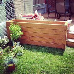 Diy Flower Boxes, Diy Flowers, Palet Garden, Outside Patio, Box Bed, Outdoor Living, Outdoor Decor, Garden Boxes, Green Life