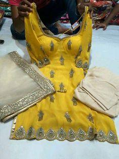 Punjabi Suit. #salwarkameez #salwarsuit #indianfashion #punjabisuit.. #fun #rohb #attitude #jatt #desi #taur #kaim #quotesforlife #thoughtsofmind #ThatAlluringKaur. FOR MORE FOLLOW PINTEREST : @reetk516 Indian Suits, Punjabi Suits, Salwar Suits, Bollywood Girls, Bridal Outfits, Suit Fashion, Balenciaga City Bag, I Dress, Indian Fashion